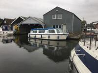 Motor Cruiser boat