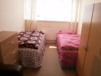 Large room to rent to share for man in Limehouse, all bills included, free Wifi, ID:189