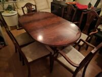 Excellent Mahogany Colour Extendable Dining Table w/ 6 Dining Chairs