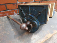 Vintage Record No. 52 1/2 Woodworking Vice