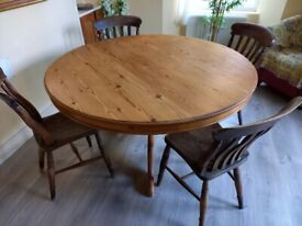 Large round antique pine table & chairs - £75