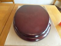 TOILET SEAT- MAHOGANY EFFECT-NEW