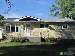$349,900 - Bungalow for sale in St. Andrews