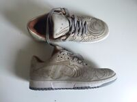 NIKE DUNK LOW PREMIUM BY CHRIS LUNDY - UK 7