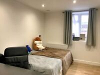 spacious 3 bed flat with outdoor patio