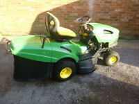 John Deere LR135 Ride on Lawn Mower / Garden Tractor