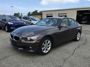 2013 BMW 3 Series 328i xDrive/CARPROOF CLEAN/LEATHERETTE/SUNROOF