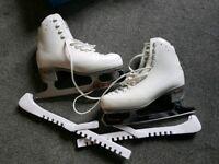 Risport R4 ice skates with box size 245 (UK 4)