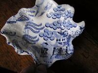 BLUE AND WHITE 19TH CENT: WILLOW PATT SALT, PICKLE DISH, OINTMENT POT, CHILDS CUP, CHINESE BOX,