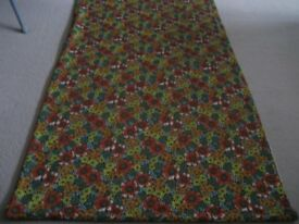 CRAPE/LYCRA FLORAL PATTERN FABRIC - 7 METERS – NEW