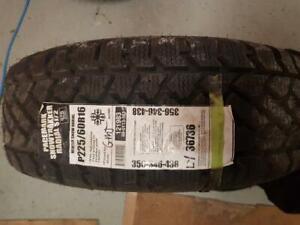 225/60/16 1 pneu hiver pacemark snowtrakker neuf