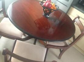 Beautiful Mahogany Round Table with 4 Chairs