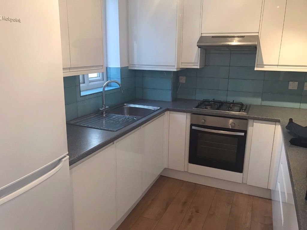BIG DOUBLE ROOM IN ZONE 2 **CLOSE TO CENTRAL LONDON**