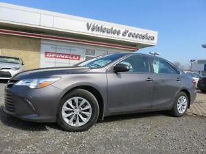 2015 Toyota Camry TRES BAS KM!!!! 4 CYL
