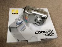 Nikon cool pix 3200 digital camera