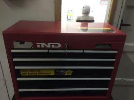 Halfords professional tool box 7 drawer