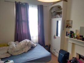 Big Double room to let in Shepherds Bush