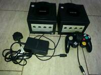 Game cubes x2in good condition! One pad one charger!untested! Found when move in!untested
