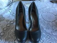 New look ladies heels shoes size 4/37 used one time £7