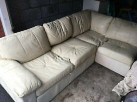 Leather Corner Sofa / Pull-out Double Bed