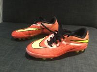 Nike artificial grass boots size 4
