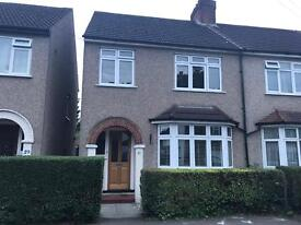 3 Bedroom house to rent in Bushey Heath - Available now