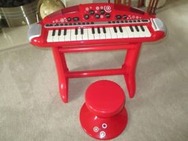 Red Early Learning Center / Superstar Cool Keyboard and Stool
