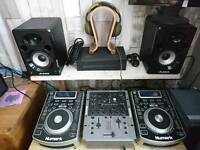 Numark NDX400 cd/usb decks full set up