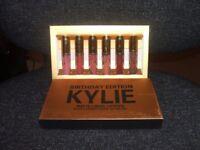 kylie jenner 6 pack gold lipsticks