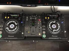 2 x CDJ 1000s Mk 3, 1 x DJM 400 mixer plus flight case all in mint condition