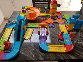 Toot toot drivers train track set