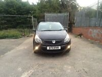 Corsa 1.2 16v sxi 2011 limited edition low miles