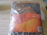 Snuggle blanket with sleeves - brand new in packet