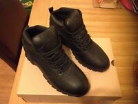 Timberland boots(NEW) size...9 £80ovno