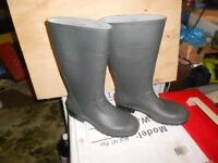 Pair of Wellies, worn once, as new, size 7 (40), suit male or female.