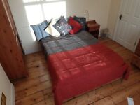 Very Large Double Room close to East Croydon Station