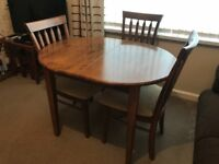 Small, extendable dining table & 4 chairs
