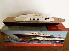 Model Boat Vosper Triple Screw Express Turbine