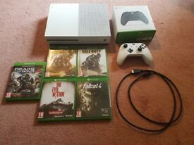 Xbox One S 500Gb with 5 games and two controllers
