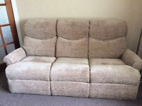 Excellent condition 3 piece suite £125 ono. non smoking, no pets household