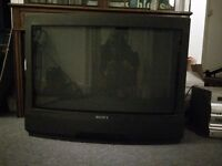 """30"""" Sony Trinitron TV (tube style) - Free to collect Charing X"""