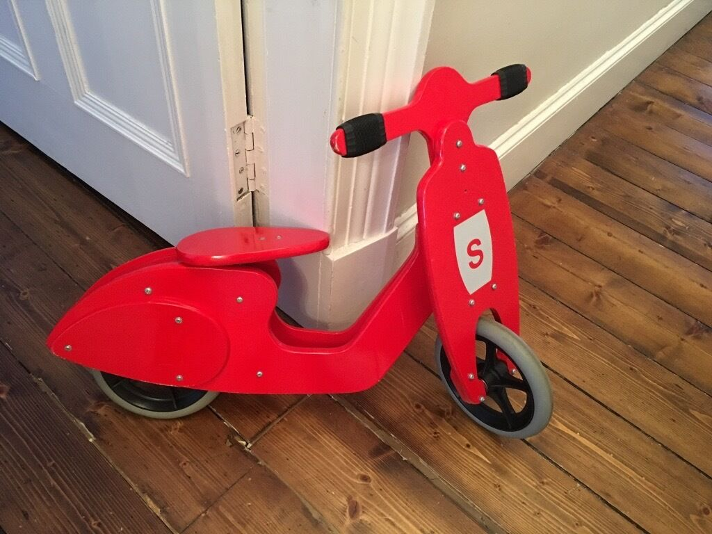 Red Skipper Wooden Vespa Style Balance Bike New Condition In