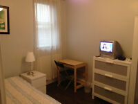 SHORT OR LONG TERM LARGE SINGLE ROOM IN CLEAN AND QUIET HOUSE, 3 MIN WALK TOTTENHAM HALE TUBE, PROFE