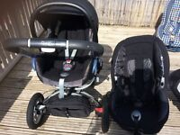 Two Maxi Cosi car seats & Quinny Buzz 4 Travel System