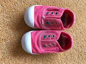 Girls shoes/trainers