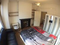 SW6 7TZ-FULHAM-2 LOVELY DOUBLE ROOMS+SKY + LCD TV+WIFI (ALL BILLS INC. )