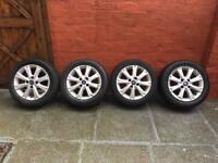 Ford Fiesta Alloy Wheels Set 195)55)R15