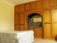 Large double room available in 4 bed house including all bills & wifi internet - single double rooms
