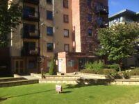 Slateford, Stunning Modern 3 Bed room Flat Edinburgh EH11 Car parking Gym Lift Gorgie close to city