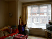 Flat in Roundhay S/C Double glazed Furnished Central heated